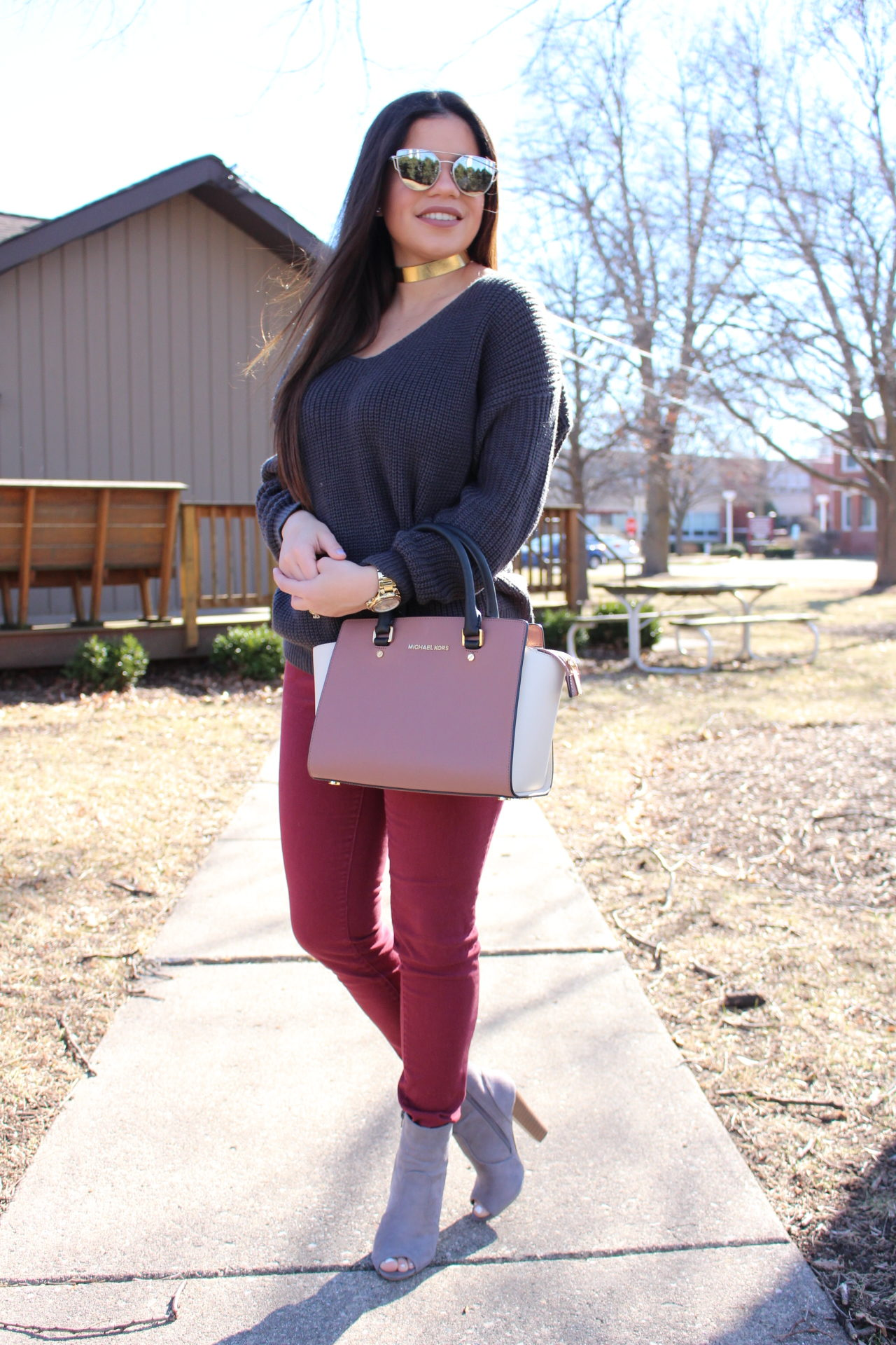 fall winter spring outfit gray sweater twited back burgundy jeans michael kors mk quay sunglasses ear accesories fashion nova shein by alejandra avila