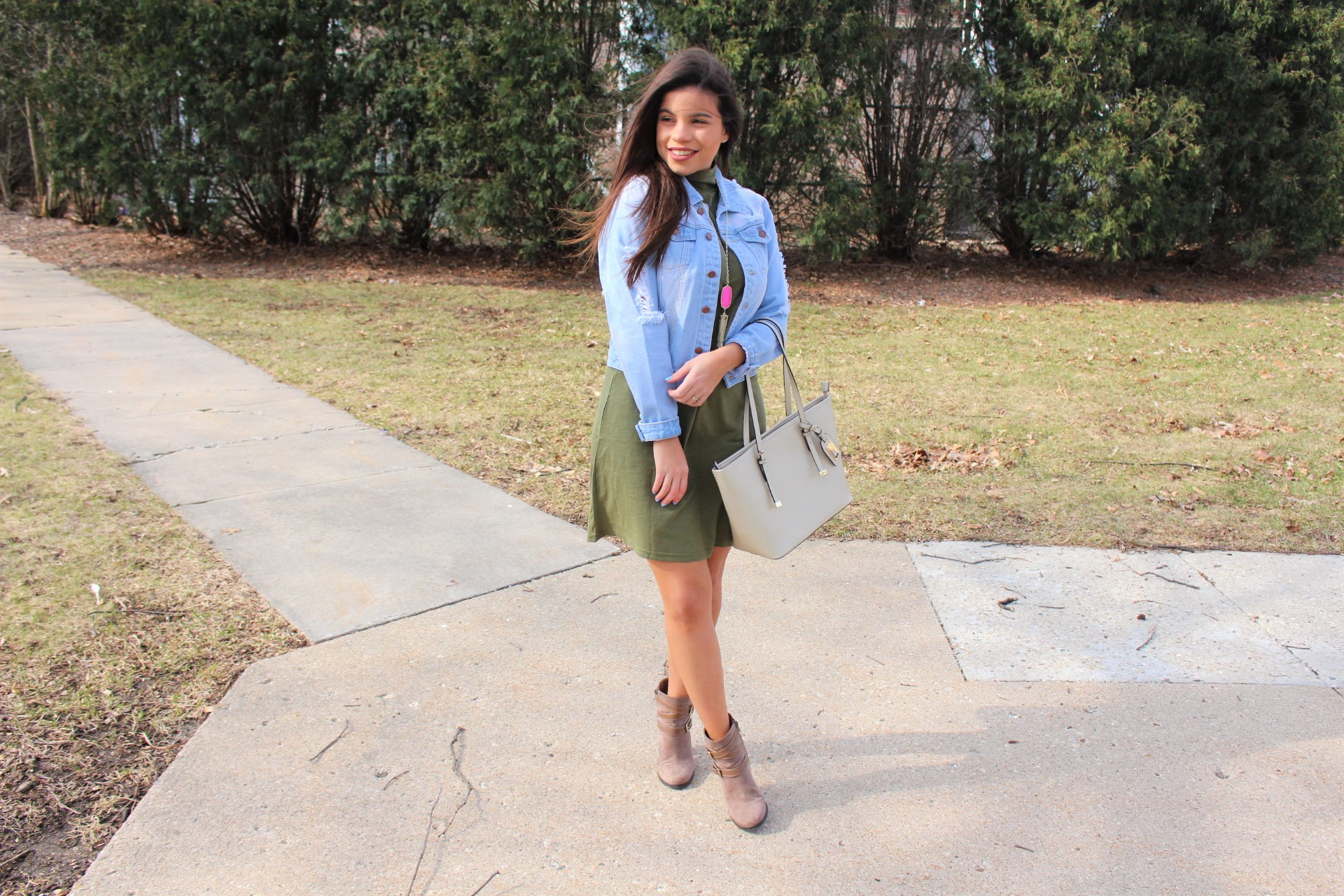 makeme chic military dress ootd jean jacket ALDO spring outfit handbag accesories ripped jean jacket perfect spring outfit olive dress outfit by alejandra avila