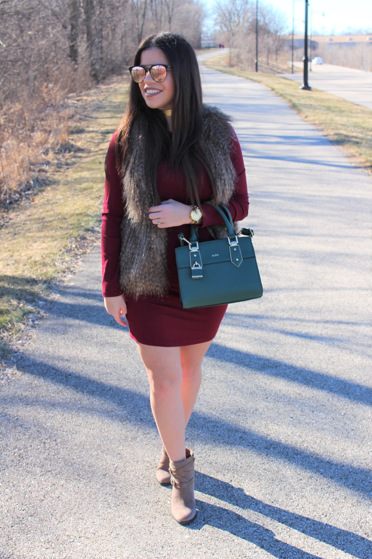 vestido vinotinto burgundy dress quay sunglasses aldo handbag fall winter spring outfit aldo green handbag michael kors watch justfab booties casual outfit by alejandra avila tufashionpetite