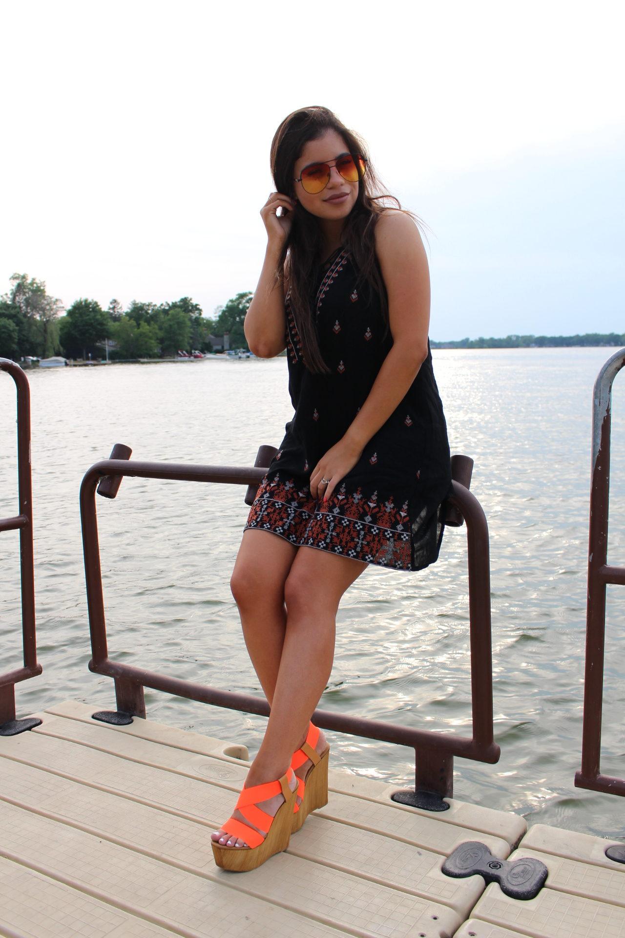 hot miami styles black babydoll OOTD steve madden wedges outfit date night short summer dress by Alejandra Avila Tufashionpetite (2)