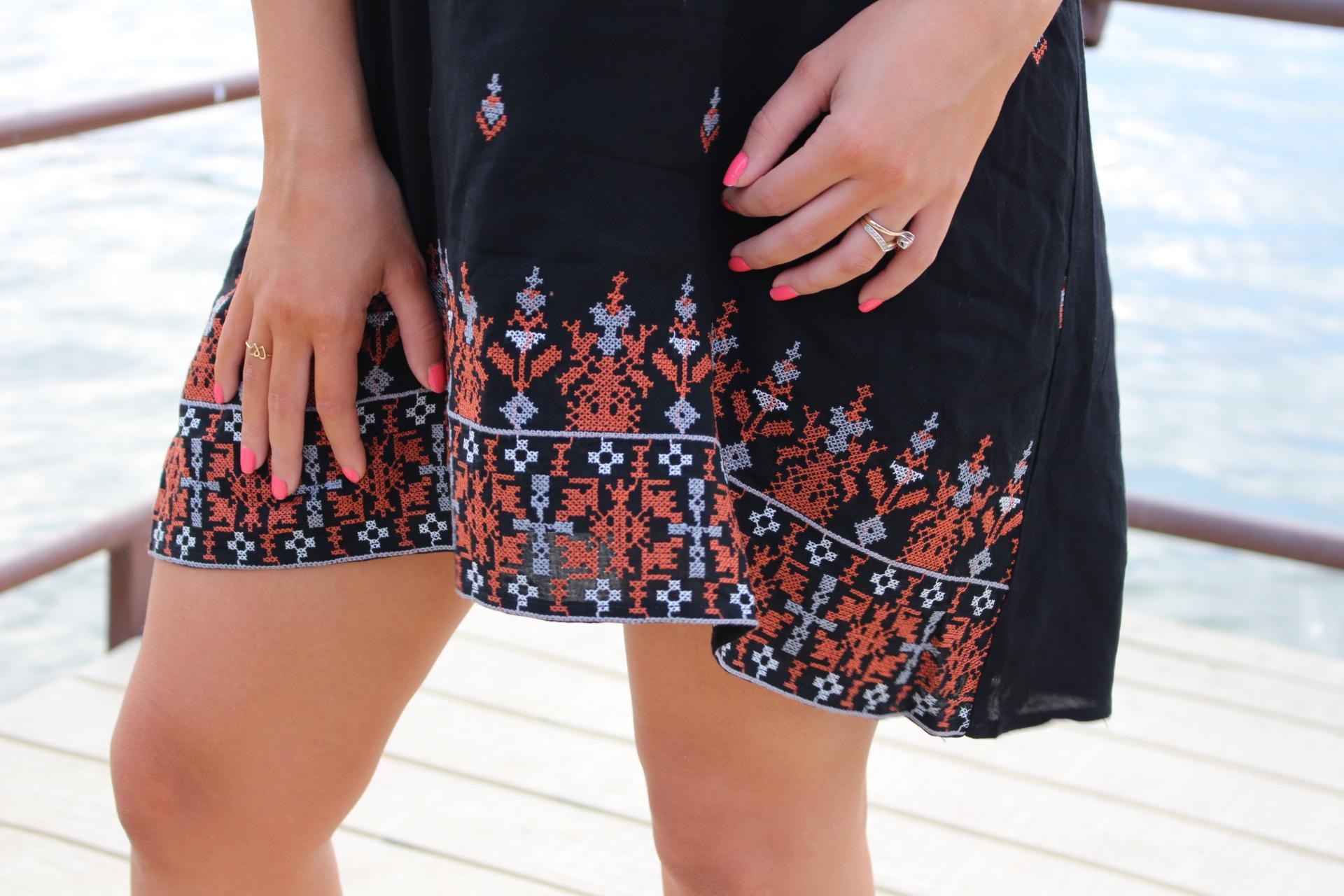 hot miami styles black babydoll OOTD steve madden wedges outfit date night summer dress quay australia sahara shades desi perkins dress details by Alejandra Avila Tufashionpetite