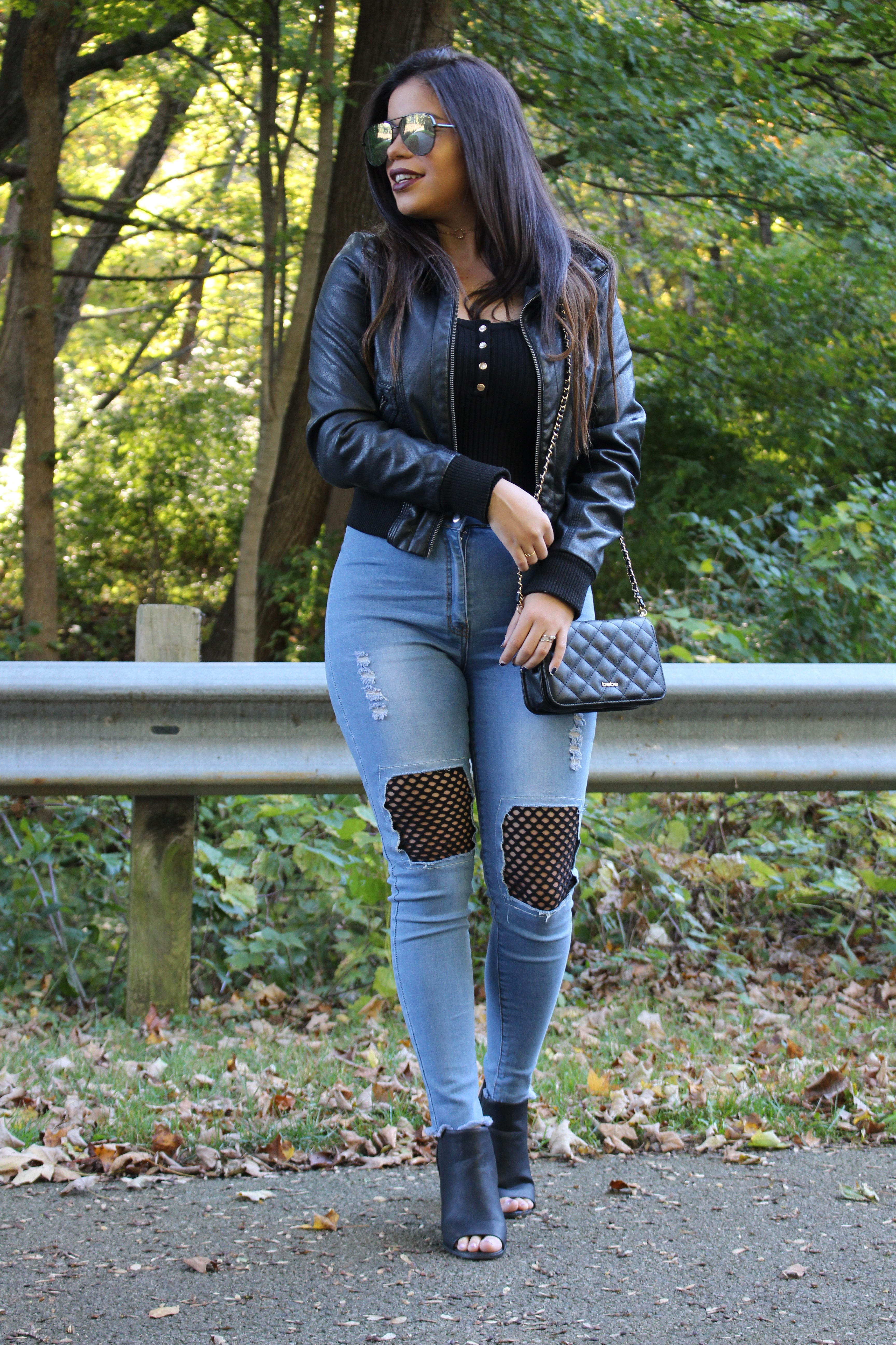 hot miami styles jeans rocker outfit jeans details ootd ootn bebe handbag charlotte russe choker quay australia high key silver black shades casual by alejandra avila tufashionpetite