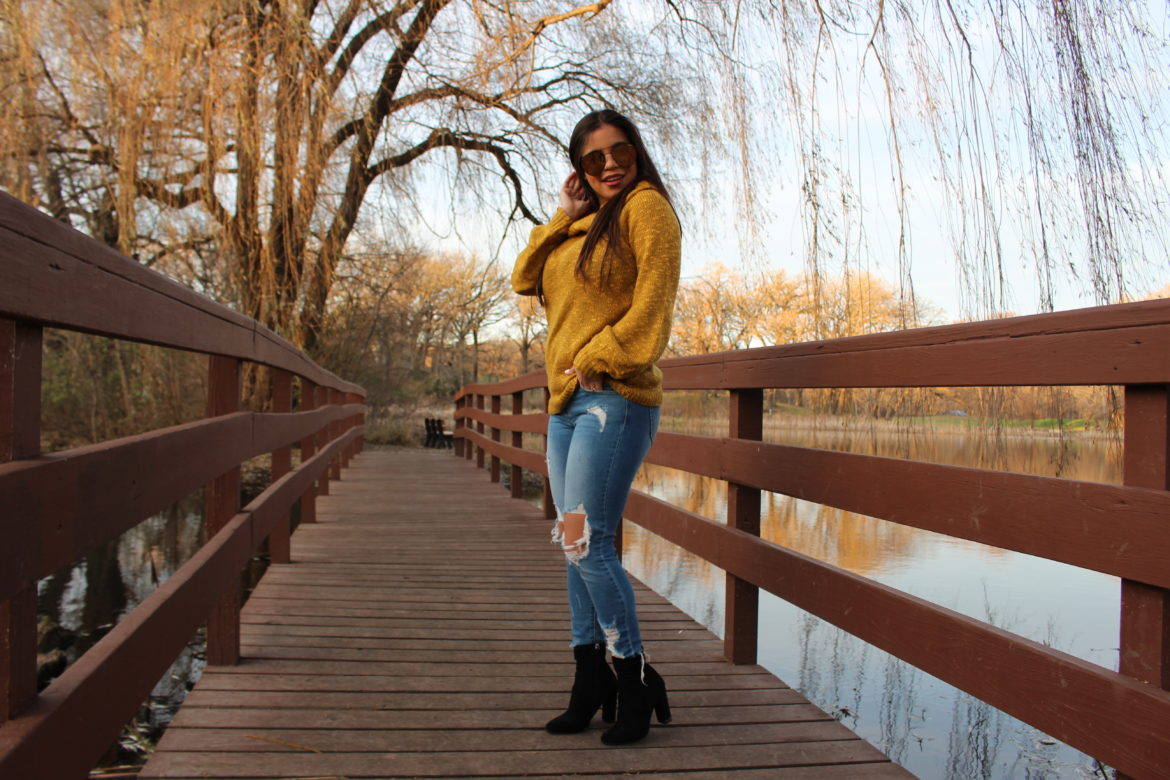 sweater mostaza cut out jeans fall outfit OOTD perfect fall outfit steve madden booties quay australia sunglasses indio by alejandra avila tufashionpetite